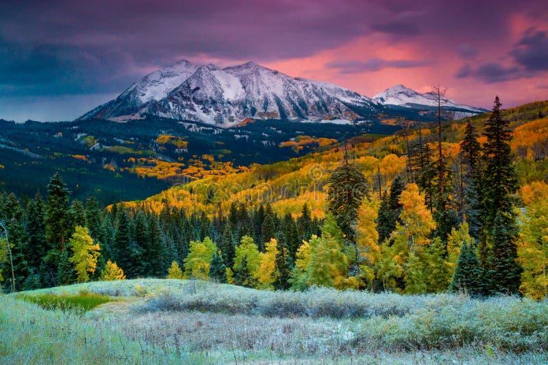 När nedgången kommer till Colorado fotografering för bildbyråer