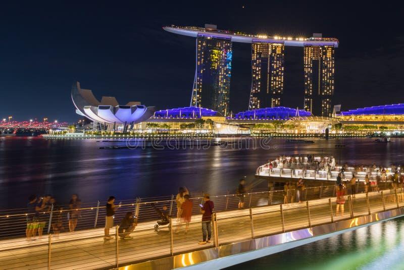 När vi reser till Singapore Fotografi över Singapore Nattand Street arkivfoton
