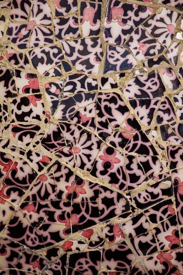 Nära övre detalj av en kulör mosaik av den keramiska tegelplattan royaltyfria foton