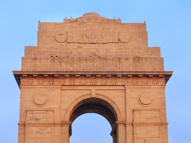 Nära sikt av den Indien porten i New Delhi arkivbilder