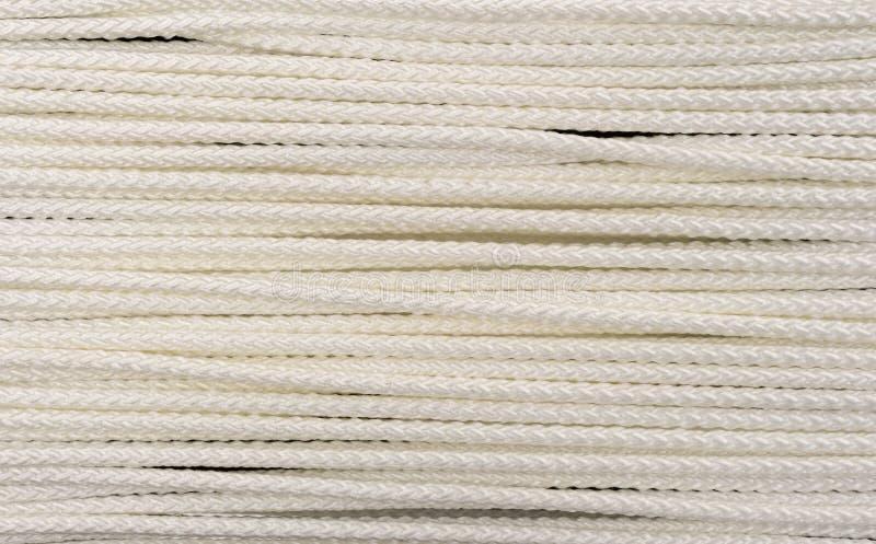 Nära sikt av det vita polypropylenerepet royaltyfria foton