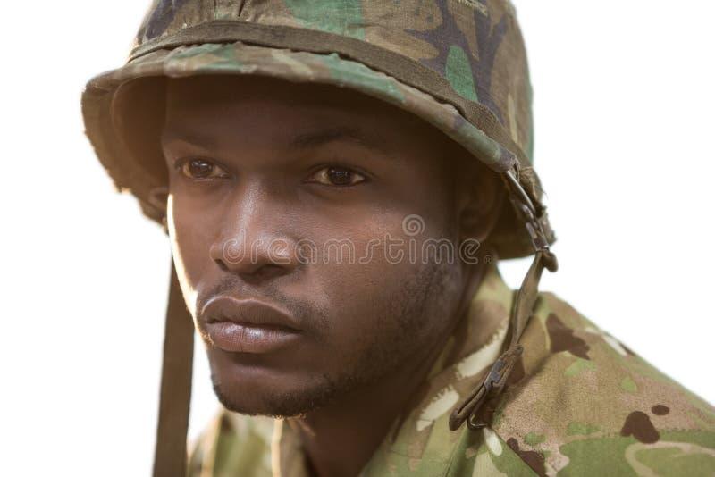 Närbild av den fundersamma soldaten arkivbild