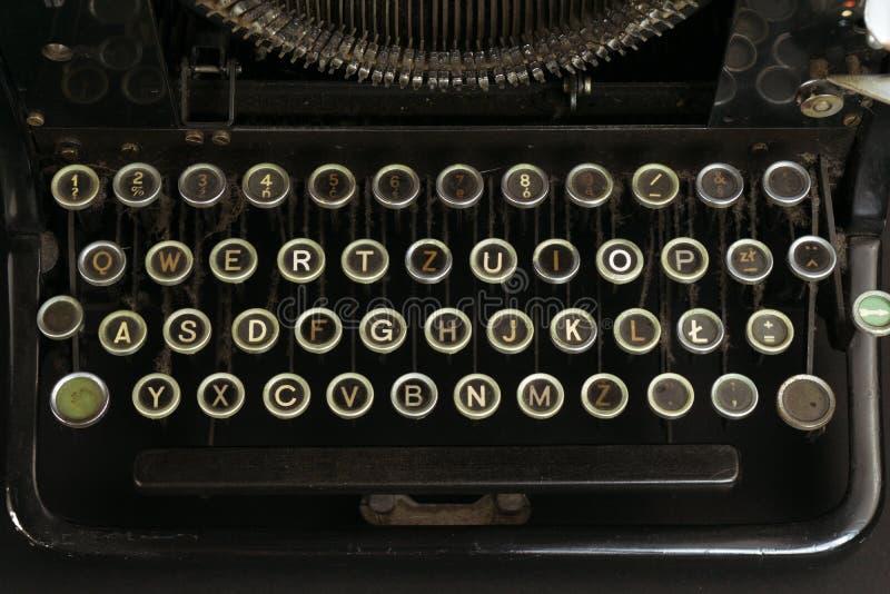 Närbild av ett gammalt och en Dusty Typewriter Keyboard royaltyfri fotografi