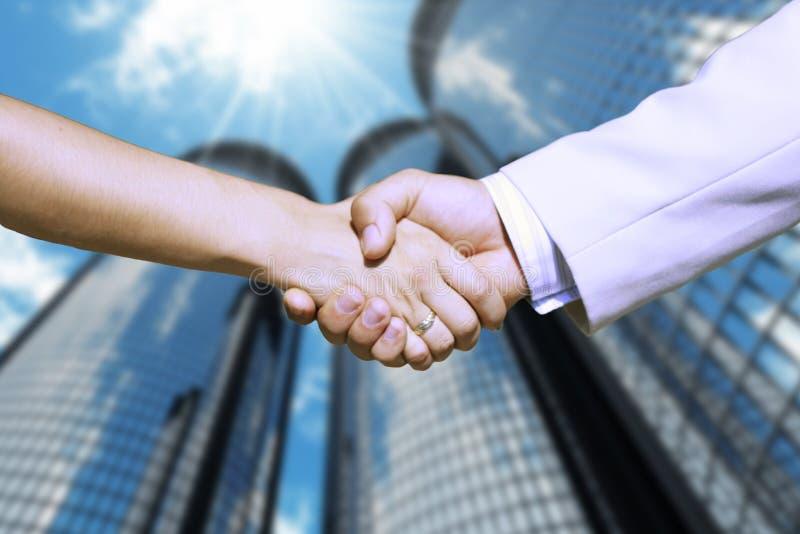 Närbild av två Businesspeople, kvinnan och mannen, royaltyfri bild