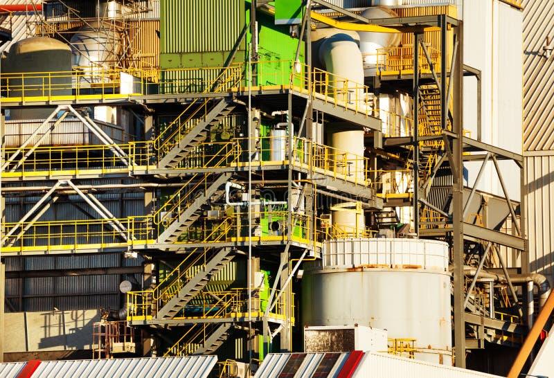 Närbildbild av oljeraffinaderiväxtutrustning royaltyfria foton