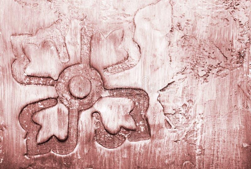 Närbilddetalj av blekt - rosa dekorativ handgjord tegelplatta, abstrakt bakgrund i ljusa skuggor arkivbild