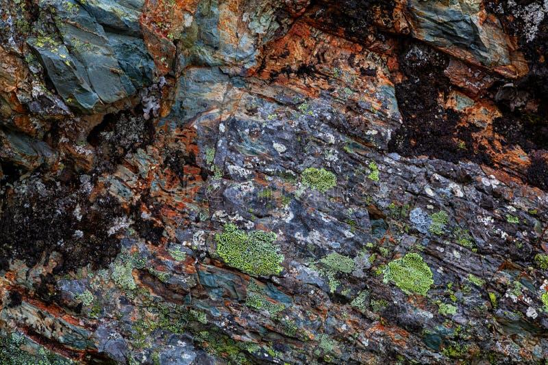 Närbilden av gråa stenar av berget vaggar arkivfoton