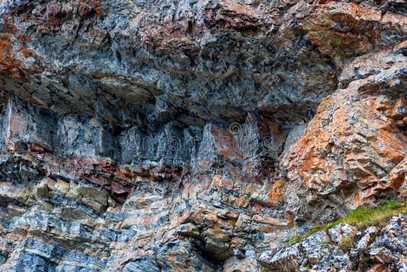 Närbilden av gråa stenar av berget vaggar royaltyfri fotografi