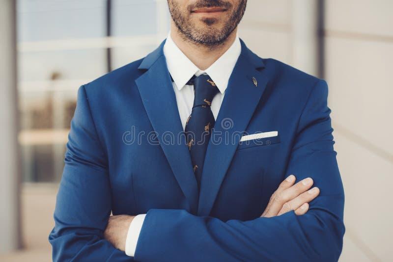 Närbildstående av det eleganta manliga funktionsläget royaltyfri bild