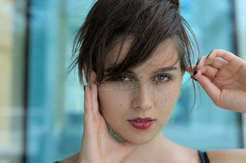Närbildstående av en härlig flicka fotografering för bildbyråer