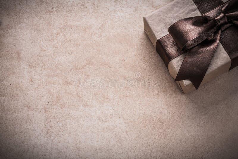 Närvarande askpapper på begrepp för tappningbakgrundsferie royaltyfria foton