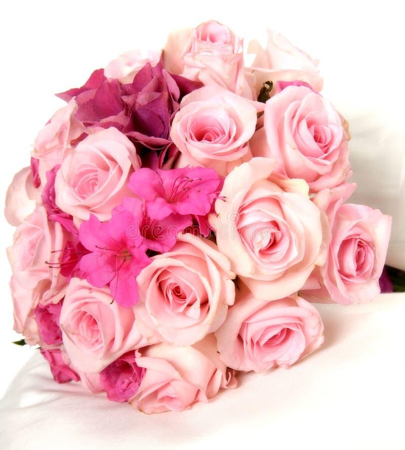 Nätt bukett av nya rosa färgvårblommor arkivbild