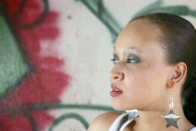 Nätt etnisk kvinna fotografering för bildbyråer