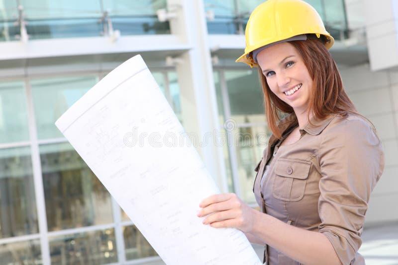 nätt kvinna för arkitektaffär royaltyfri bild
