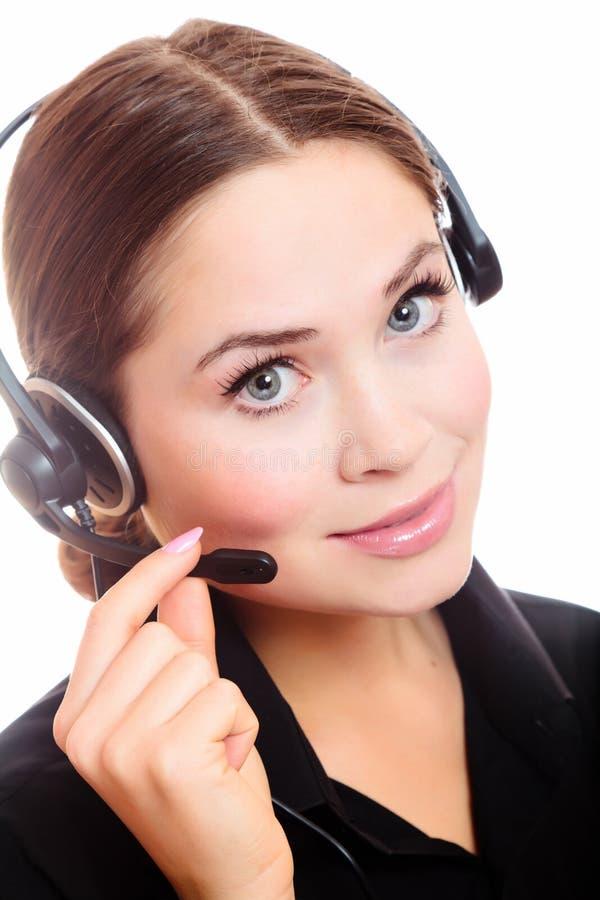 nätt kvinna för caucasian hörlurar med mikrofon arkivbild
