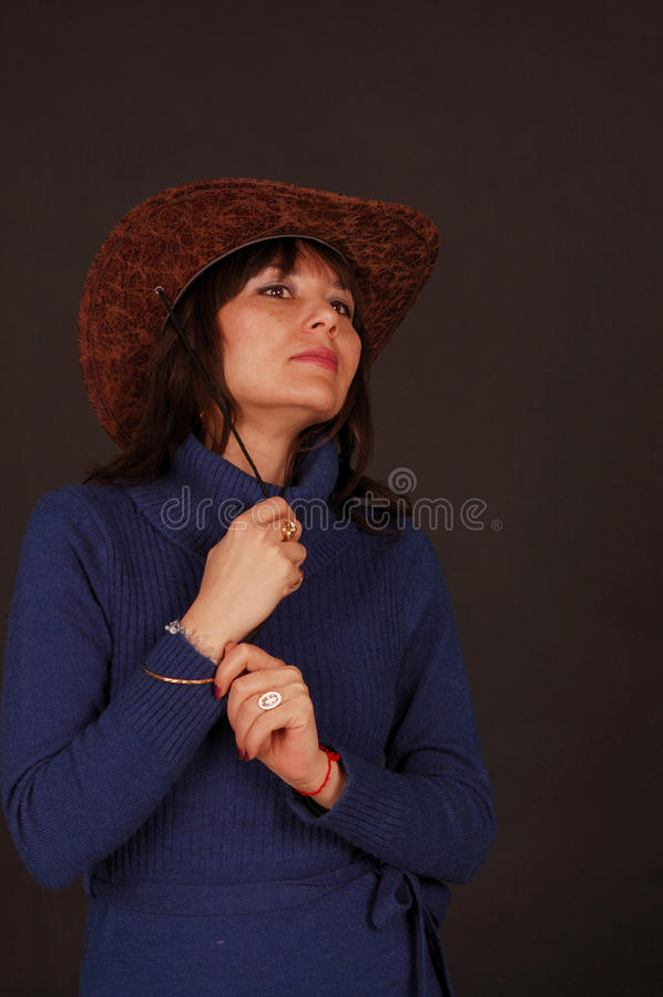 nätt kvinna för cowboyhatt royaltyfria foton