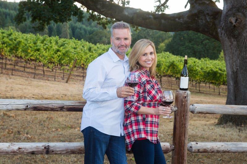 Nätt paravsmakningvin på en vingård fotografering för bildbyråer