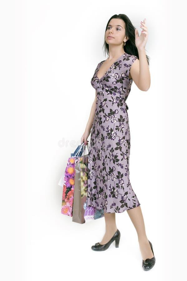 nätt shoppingkvinna arkivfoton