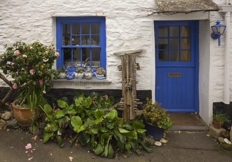Nätt stuga, port Isaac, Cornwall, England royaltyfri foto