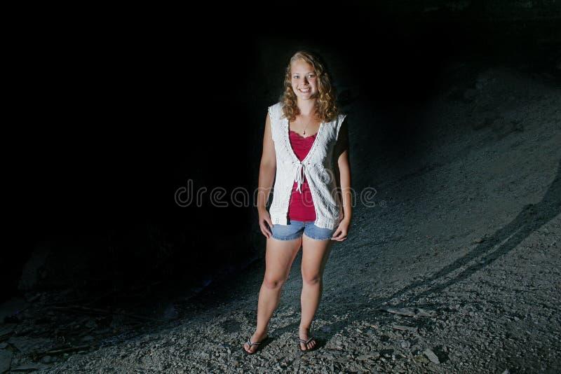 nätt teen för model det fria fotografering för bildbyråer
