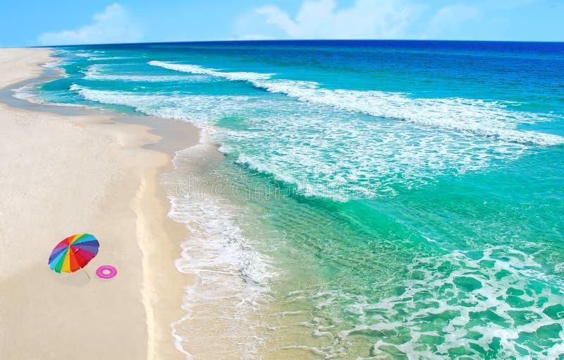 nätt toyparaply för strand arkivbilder