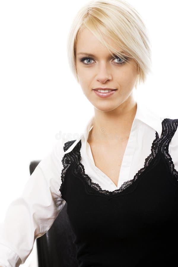 Nätt ung blond kvinna arkivbild