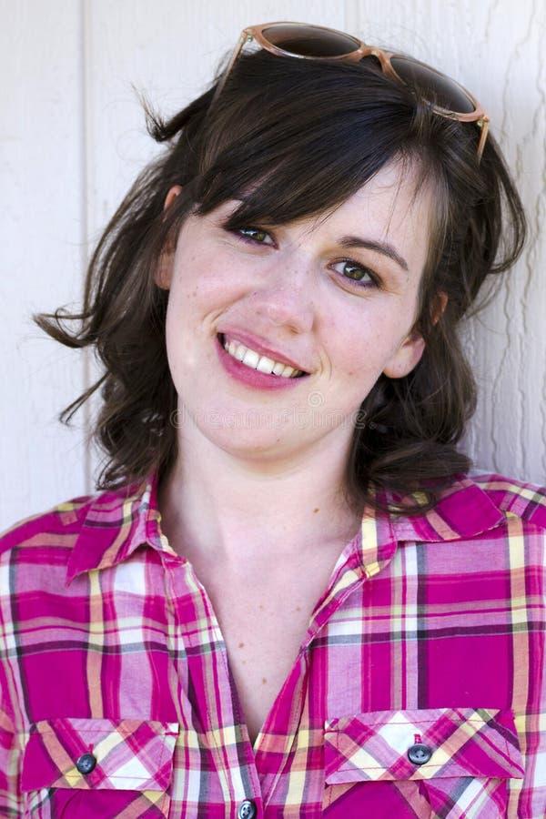 Nätt ung kvinna fotografering för bildbyråer