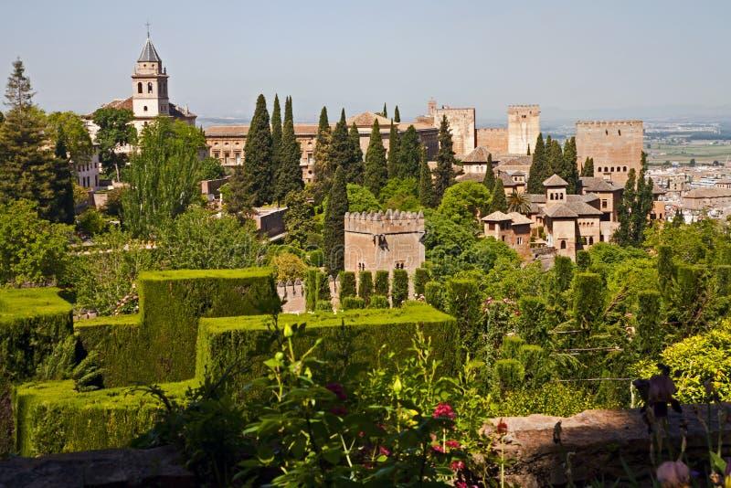 Négligence des jardins à Alhambra photos stock