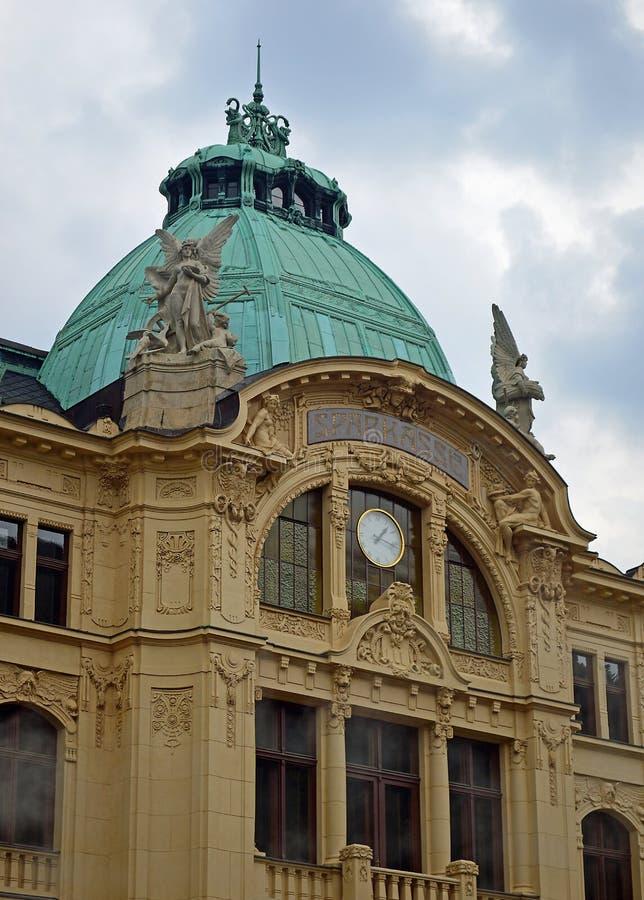 Néo- architecture baroque dans la République Tchèque de Karlovy Vary images libres de droits