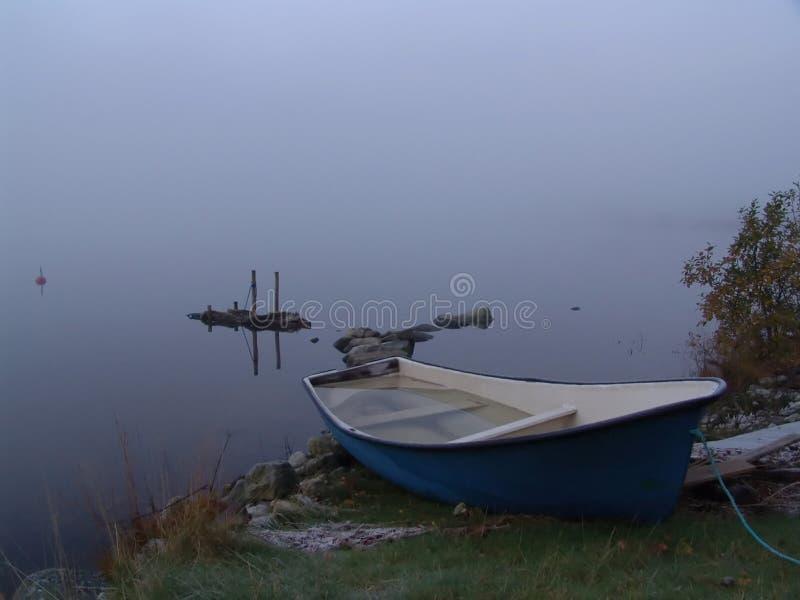 Download Névoa e barco foto de stock. Imagem de espaço, barco, cópia - 59924