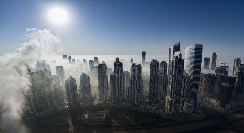 Névoa em Dubai foto de stock