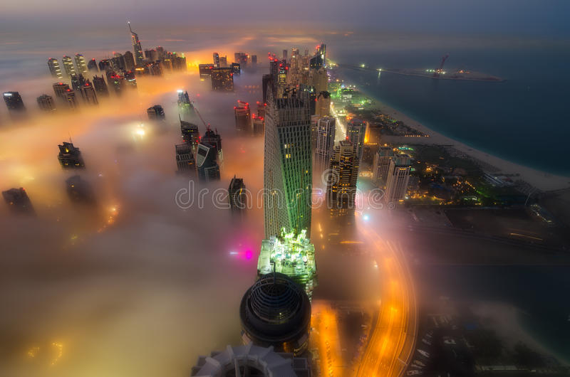 Névoa em Dubai fotos de stock