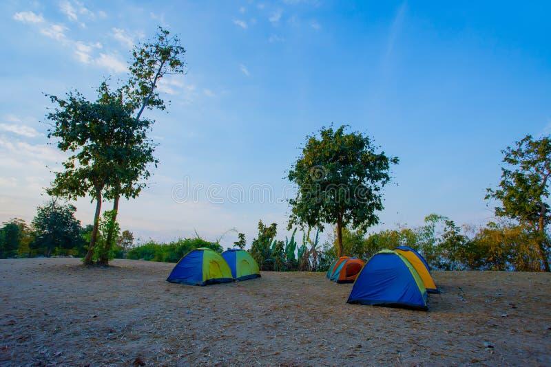 Névoa, verão, por do sol, Tailândia, acampando imagens de stock royalty free