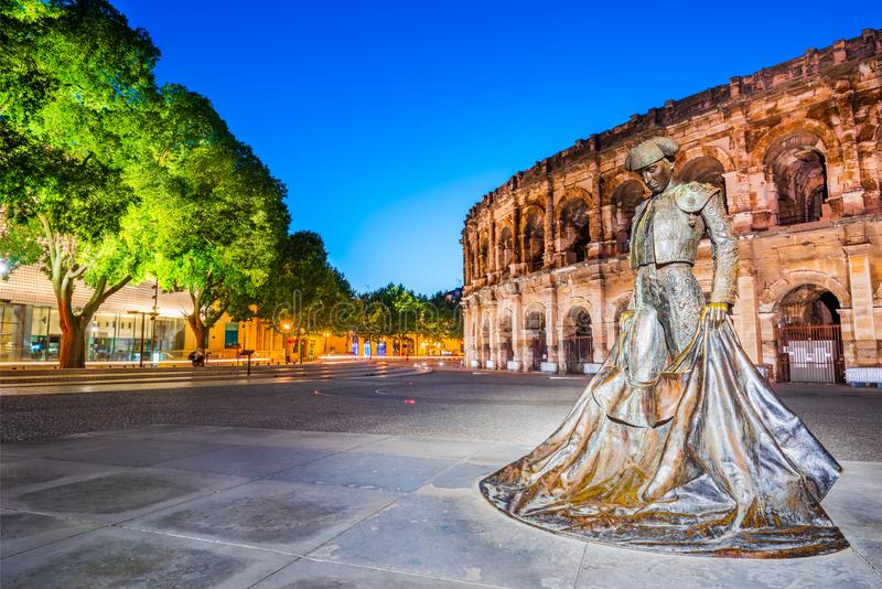 Nîmes, roman arena in Occitanie, Frankrijk stock foto's
