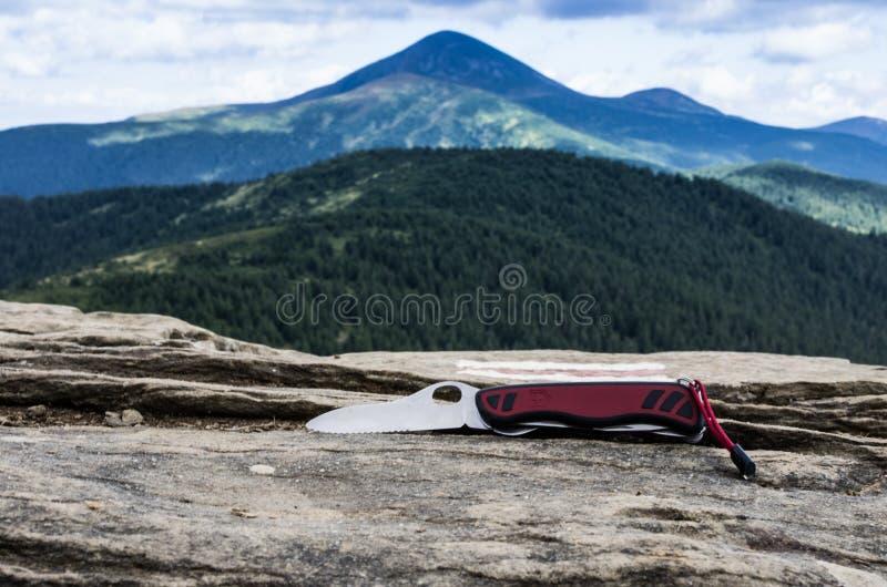 Nóż w górach Nóż w kampanii obrazy stock