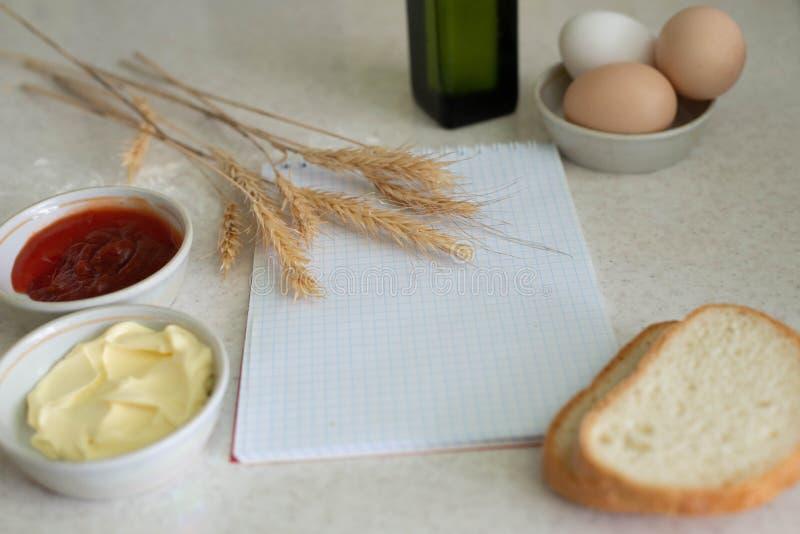 Nós cozinhamos um grande café da manhã fotografia de stock royalty free