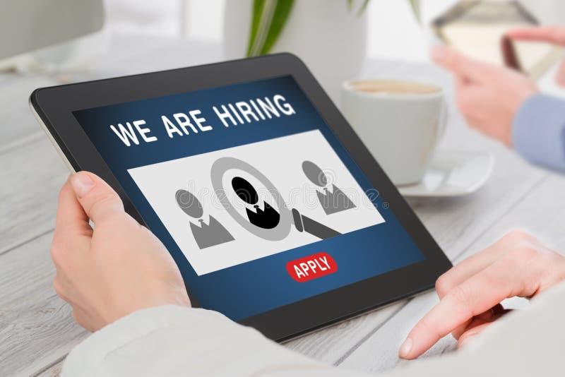 Nós estamos contratando a carreira que caça cabeças Job Concept fotografia de stock royalty free