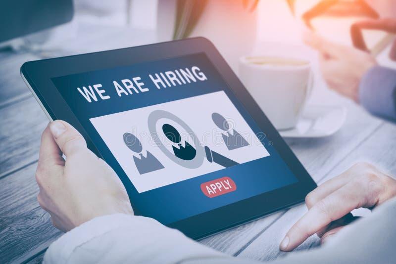 Nós estamos contratando a carreira que caça cabeças Job Concept imagem de stock