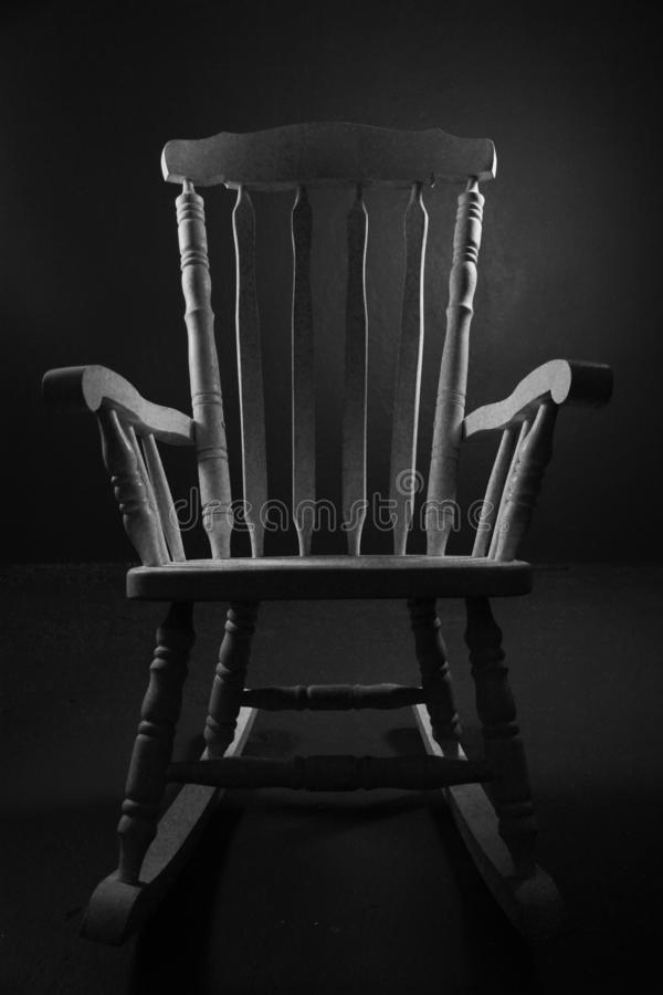 Nós temos uma cadeira antiga iluminada com luminoso foto de stock royalty free