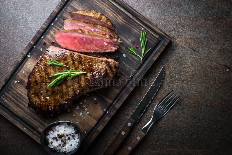 nötkött grillad steak arkivbild