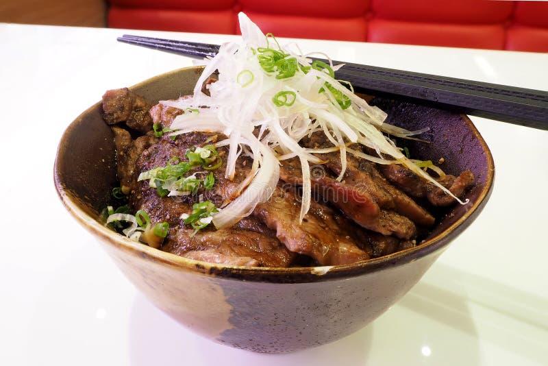 Nötköttgaller med ris arkivfoto