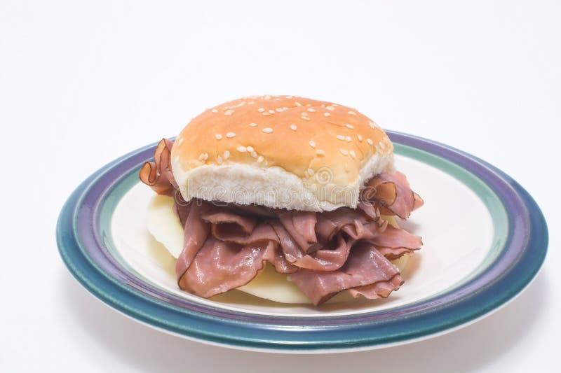 nötköttsteksmörgås arkivbild