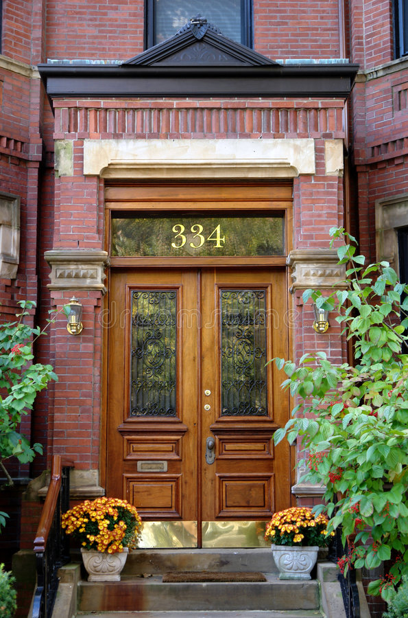 Número da porta três cem e trinta e quatro Boston imagens de stock