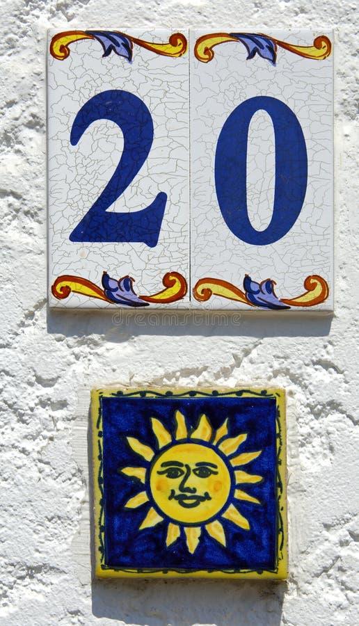 Número de casa feliz foto de archivo