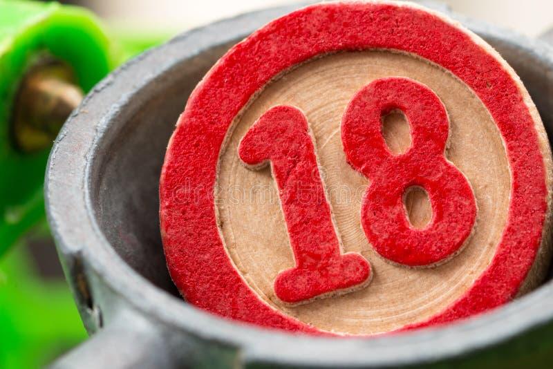 Número rojo del bingo foto de archivo
