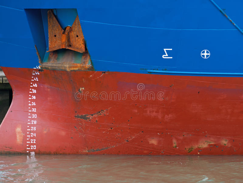 Números e marcações da linha de flutuação de Ship's imagens de stock