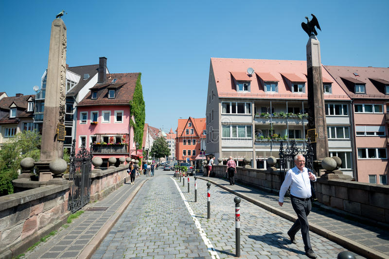 Nürnberg, Deutschland - 6. Juni 2016: Ansicht über das höhere Karlsbrid lizenzfreies stockbild