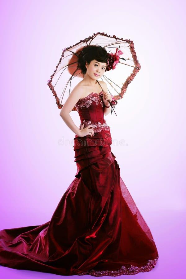 N亚裔女孩,一个美丽的新娘 免版税库存照片