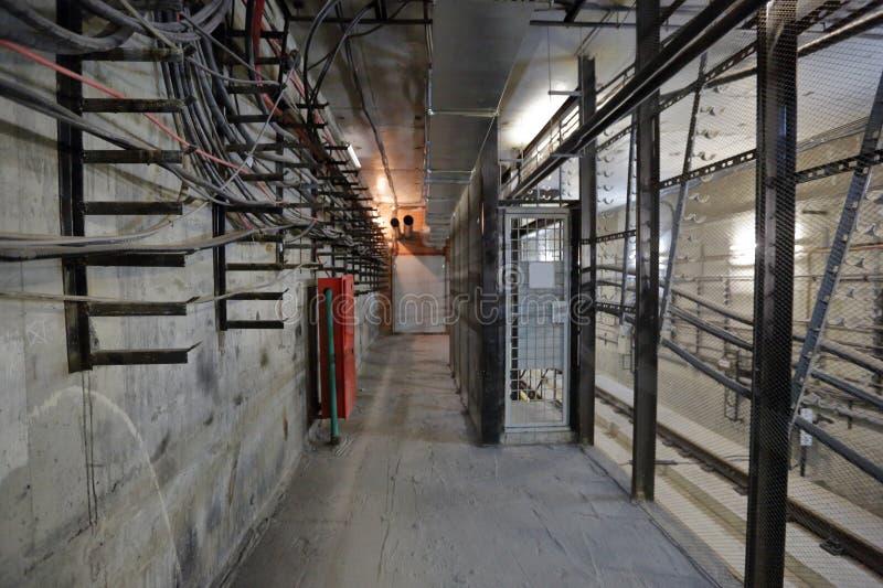 N?d- korridor i tunnelen arkivbilder