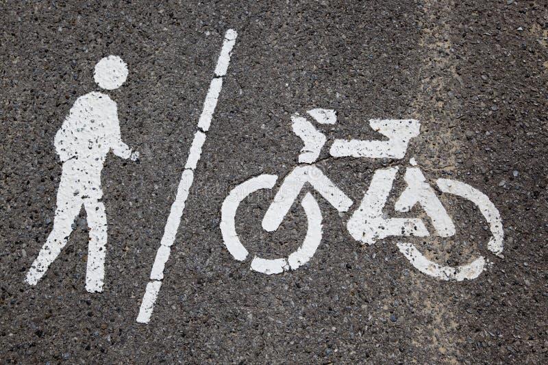 N'entrez pas dans des vélos photos libres de droits